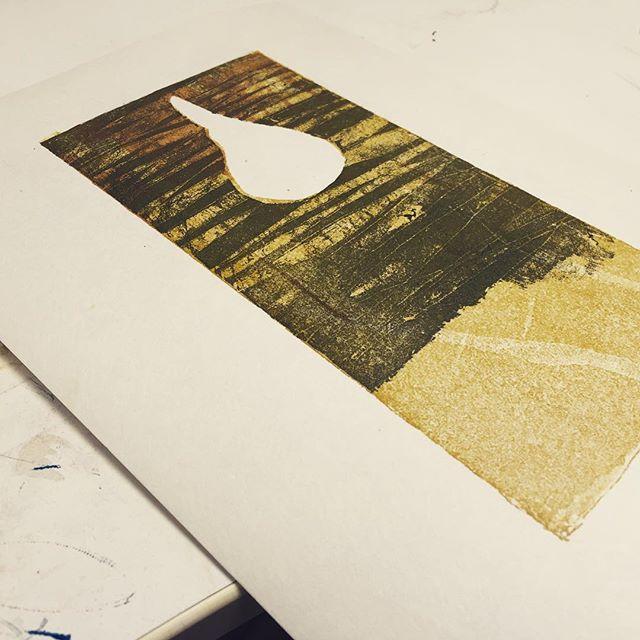 下絵はあるけど、さて、どう進めようか。#printmakingart #hanga #mimeograph #printmaking