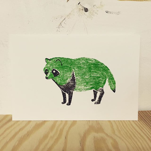 Raccoon of green #printmakingart #printmaking #hanga #mimeograph #illustration