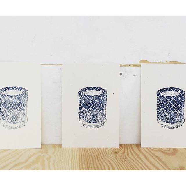 Yesterday's work #mimeograph #illustration #printmaking #hanga #ガリ版 #謄写版 #イラスト #湯のみ #フロッタージュ #版画 #刷り回数比較