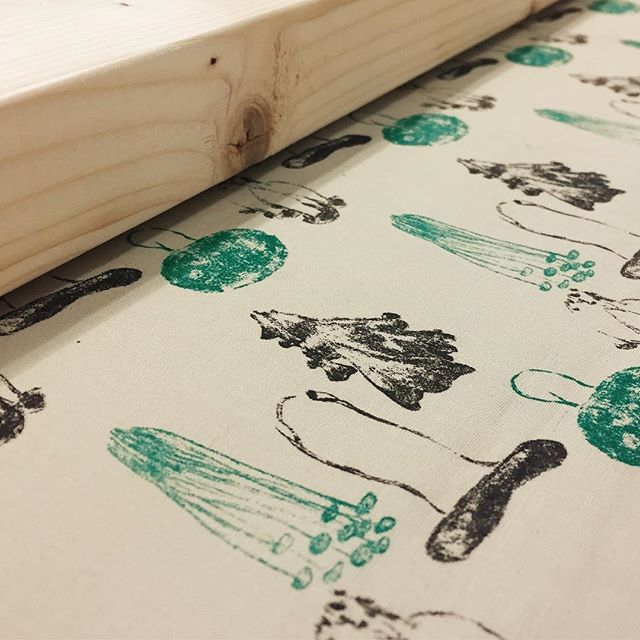 mushrooms#謄写版 #版画 #イラスト #布 #printmaking #cloth #illustration #mimeograph #instadaily #instaart #fabric #textile