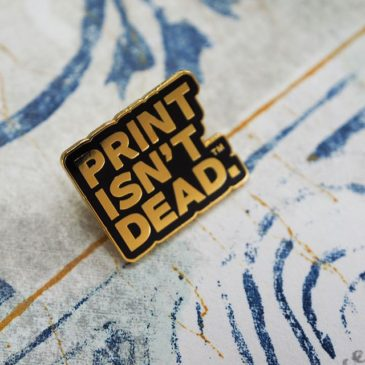 I received my @peopleofprint peopleofprint Gold member pin badge.There are some wonderful articles!https://www.peopleofprint.com/pop/tomoko-kanzaki/#peopleofprint #mimeograph #TomokoKanzaki #printmaking #printisnotdead