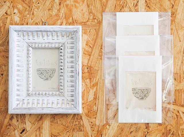You can look Exlibris works in this exhibition at Higashi Mukoujima cafe shop. I use wax paper to make mimeograph printmaking works. I made these exlibris works start from to making wax paper. -----・東向島珈琲店で開催中の展覧会では蔵書票作品をご覧いただけます。謄写版はロウ原紙を使いますが、わたしはこれらの蔵書票作品はロウ原紙を作るところから始めました。#mimeograph #版画 #printmaking #fileprateprocess