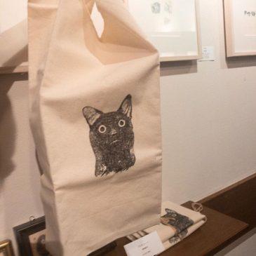 猫の日投稿その2猫トートは人気のマルシェバックタイプです。実は会場にあるもので最後になります。http://print.pepper.jp/exhibition201902/